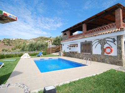 Detached house with private pool and sunbathing area in Torrox Pueblo