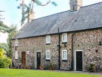 FLINT COTTAGE, pet friendly, with open fire in Swaffham, Ref 919293