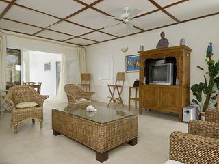 Bonaire villa photo - Spacious living area