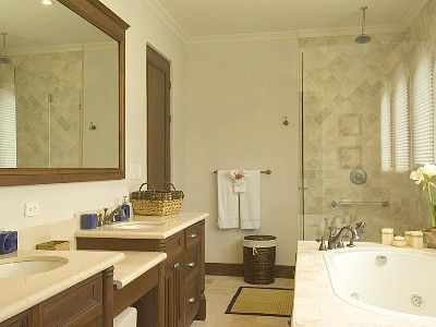 Los Suenos Resort house rental - Upstairs master bathroom with large soaking tub.