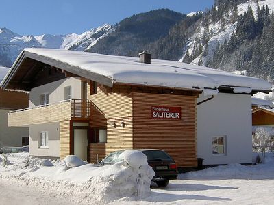 A chalet with a sauna and relaxation area, ideal for a larger group.