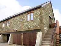 PILGRIMS NEST, character holiday cottage in Caterham, Ref 2072