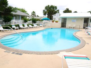 Destin cottage photo - Community Pool