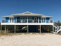 New to VRBO! Pet Friendly, Private Pool, 3 Masters, Huge Decks, Across Fr Bch!