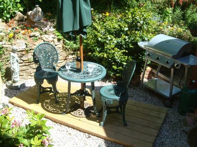 Brixham apartment rental - BBQ & patio area
