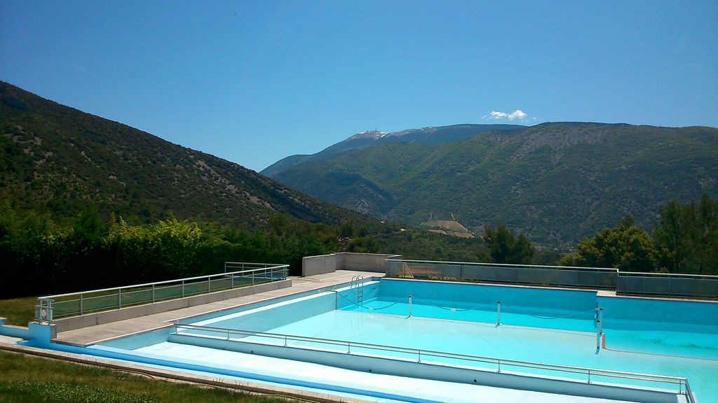 Check for Camping drome provencale avec piscine
