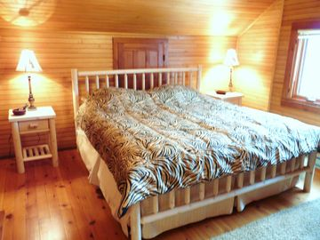 First floor bedroom with kingsize cedar bed