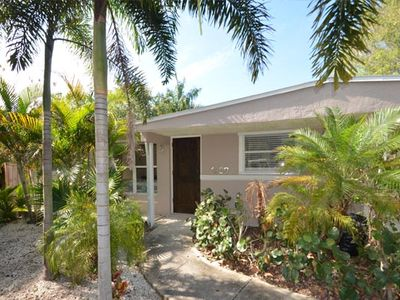 Tropical,beautiful Newly Renovated Home, With Gorgeous New Free Form Heated Pool