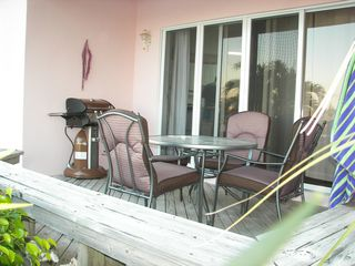 Treasure Cay condo photo - Comfortable outside eatting area with new Omaha Grill