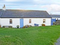 33 EASDALE ISLAND, pet friendly, with a garden in Oban, Ref 8551