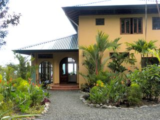 Uvita villa photo - Welcome to Casa Aracari.Walk through lush tropical gardens and step inside.