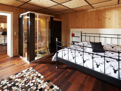 """Living in HANSLHAUS - Suite """"Holz (T) raum"""""""