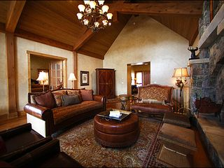Baldy Mountain Breckenridge house photo - Great Room with High Ceilings and Fireplace