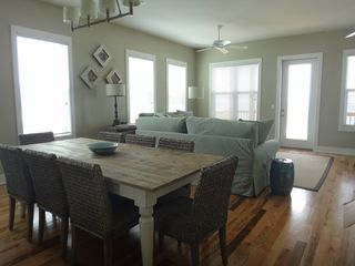 Mexico Beach house photo - Dining area, also has 3 more stools at the bar