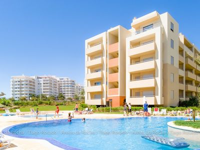Air-conditioned apartment, with pool