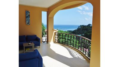 Reef view 1 - Villa with stunning sea and forest views, large terraces