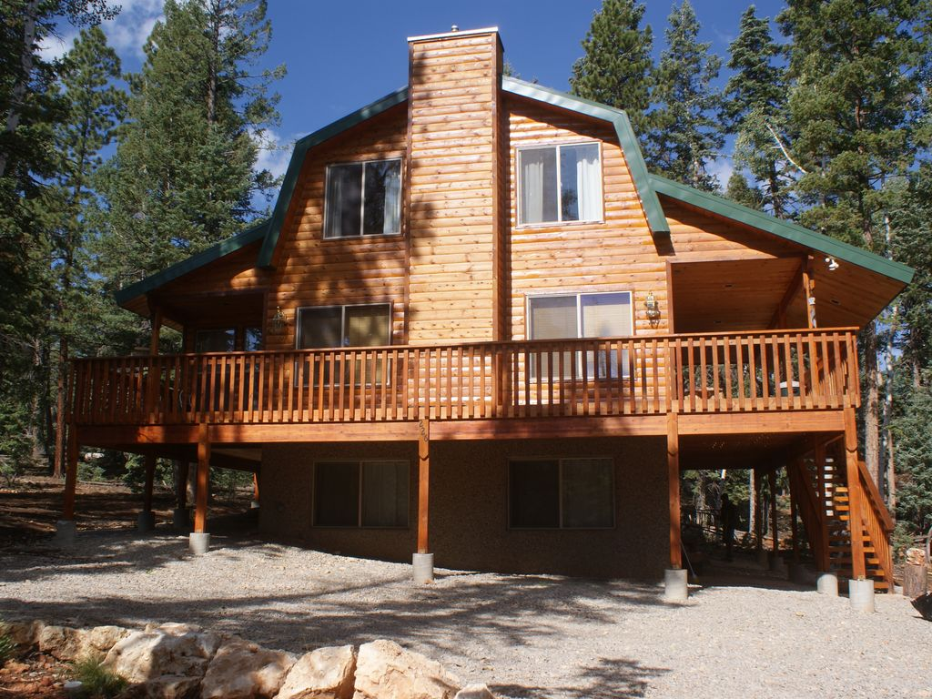 Whispering pine cabin near zion park bryce vrbo for Vacation rentals near zion national park