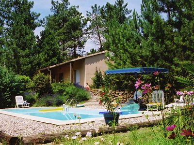 Comfortable detached cottage in the woods with a pool in Les Vans