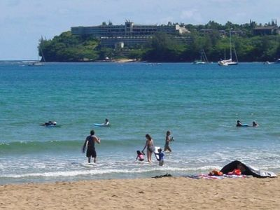 The beach right in front of Hanalei Moon on a busy summer day.