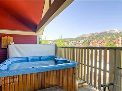 Private Hot Tub on the Deck