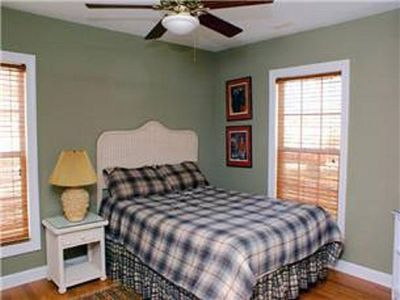 Garden City Beach house rental - Upstairs Bedroom 1 Queen access to Hall bath