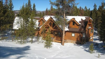 Custom Built 6 Bedroom Log Cabin