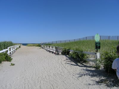 Menauhant Beach ~2 minute drive; 12 minute bike; stunning views ~Martha Vineyard