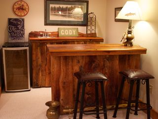 Yellowstone lodge photo - Wet Bar