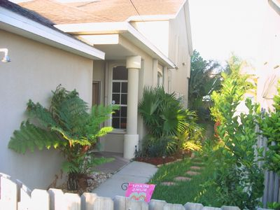 Beautiful 3BR Cocoa Beach Townhome with Hot Tub-Steps to Beach