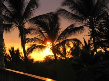 Enjoy a Kona sunset from the large lanai.
