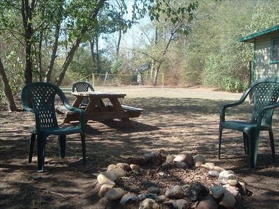 Murfreesboro house rental - Private yard, picnic area, w/fire ring. Yard games too! 1.5 mi. to diamond mine