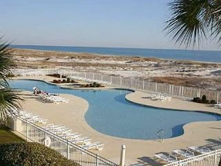 Gulf Shores condo photo - Large Outdoor Pool - 1 of 6 Outdoor Pools