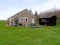 DROVERS REST, pet friendly, with a garden in Otterburn, Ref 1827