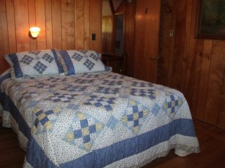 Lake Wallenpaupack lodge photo - Bedroom 2