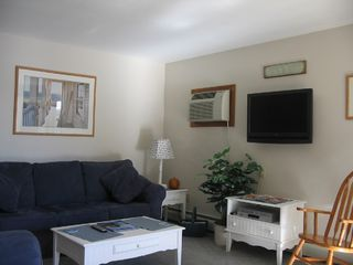 Lake Winnisquam condo photo - Living Room with AC and Flat Screen TV