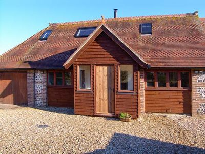 THE OLD SCHOOL COTTAGE, pet friendly in Tincleton, Ref 20691
