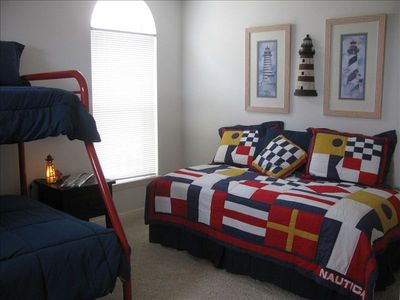 The Lighthouse, twin / full bunkbed,