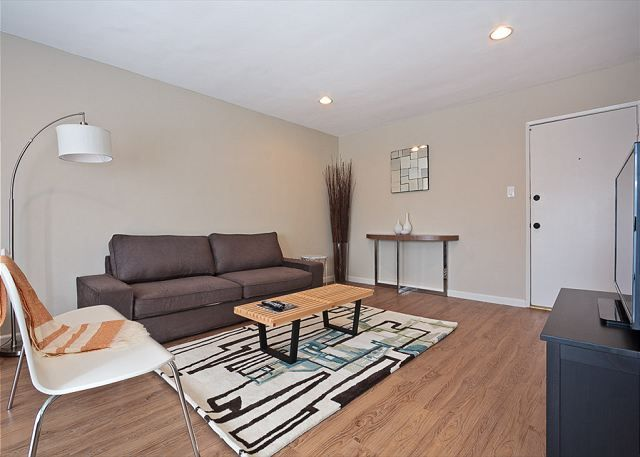 Los Angeles Apartment Rental 3 Bedroom Apartment By Mid Wilshire Homeaway