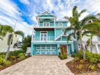 MARCH SPECIALS- 6 BEDROOM WITH POOL, HOTTUB, SLIDE, 1 BLOCK FROM BEACH