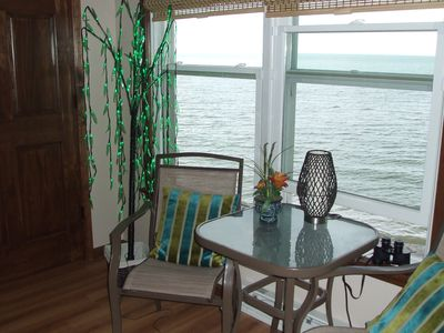Have a cocktail while watching the waves of Lake Erie right outside your window.