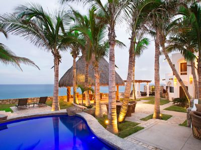 Beachfront Villa step on to the sand Private Pool, Jacuzzi inc full staff