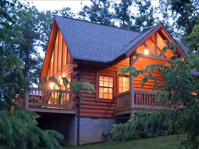Get away to Lil' Bear Cabin!