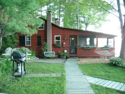 Lake Winnisquam cabin rental - Updated yard and lawn