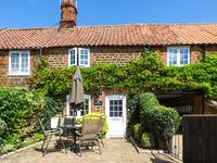 KATHS COTTAGE, with a garden in Heacham, Ref 4040