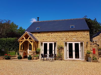 Ashover Derbyshire Luxury dog friendly rural Holiday cottage en-suite facilities