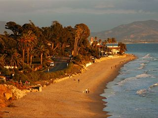 Santa Barbara studio photo - Butterfly Beach and The Biltmore just 2 minutes away