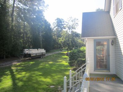 Leesville house rental - side porch