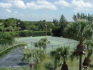 Placida condo photo - Lighted tennis courts.