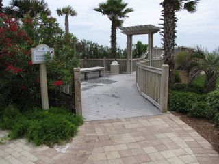 Fort Walton Beach condo photo - Walkway to beach.