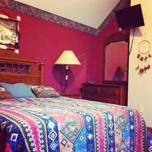 Pigeon Forge chalet rental - Master bedroom, located on the 2nd floor. Includes a 1080p HDTV and jacuzzi.